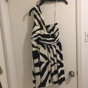 Express one shoulder dress size 6 worn once